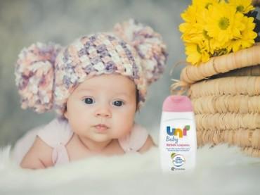 Uni Baby'den bebek cildine hassas bakım