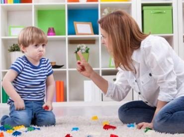 Çocuğunuza yaramaz demekten vazgeçin!