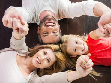 Mutlu çocuklar için mutlu ev ortamı