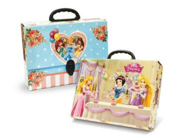 Disney prensesler okula gidiyor