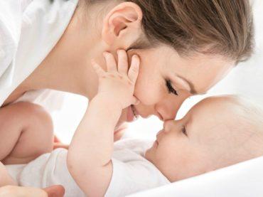 Anne ve çocuk ilişkisinde öncelik sevgi!